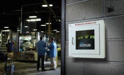 Defibrillator Zoll AED Plus Singapore